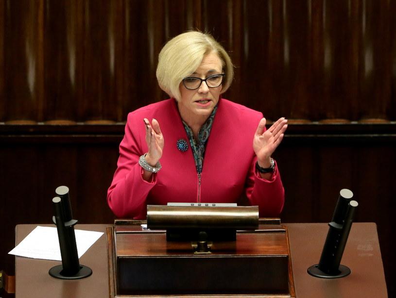 Posłanka PiS Marzena Machałek przewodnicząca podkomisji nadzwyczajnej pracującej nad projektami Prawa oświatowego /Tomasz Gzell /PAP