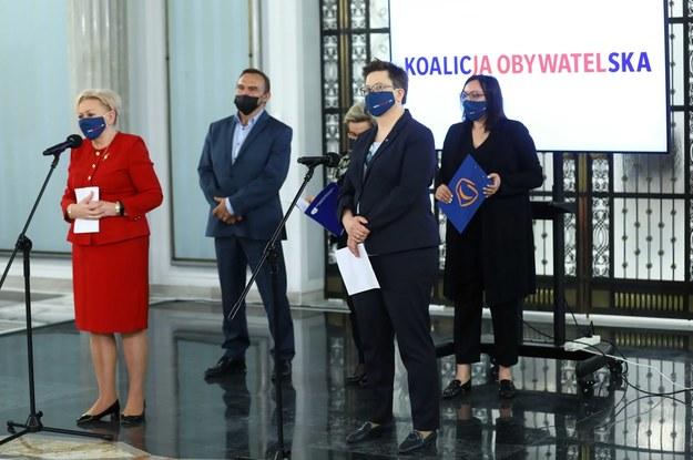 Posłanki Krystyna Skowrońska, Katarzyna Lubnauer i Monika Wielichowska oraz poseł Rajmund Miller /Rafał Guz /PAP