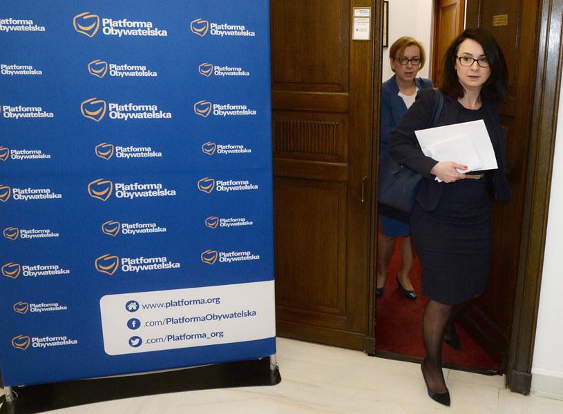 Posłanki Nowoczesnej Paulina Hennig-Kloska i Kamila Gasiuk-Pihowicz / Jacek Turczyk    /PAP