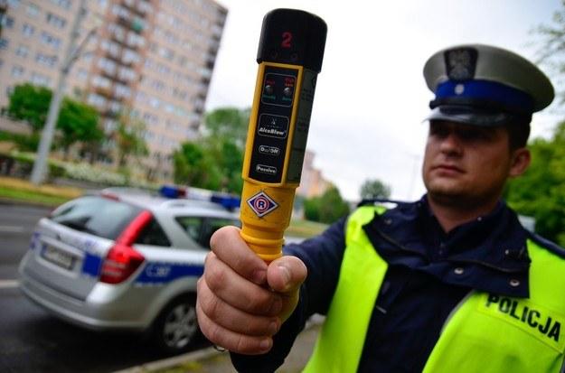 Posłowie chcą zaostrzyć kary dla pijanych kierowców /Fot. Łukasz Piecyk /Reporter