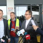 Posłowie KO Dariusz Joński i Michał Szczerba zostali wyrzuceni z własnej konferencji prasowej