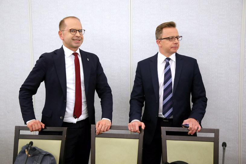 Posłowie KO: Dariusz Joński i Michał Szczerba /Piotr Molecki /East News