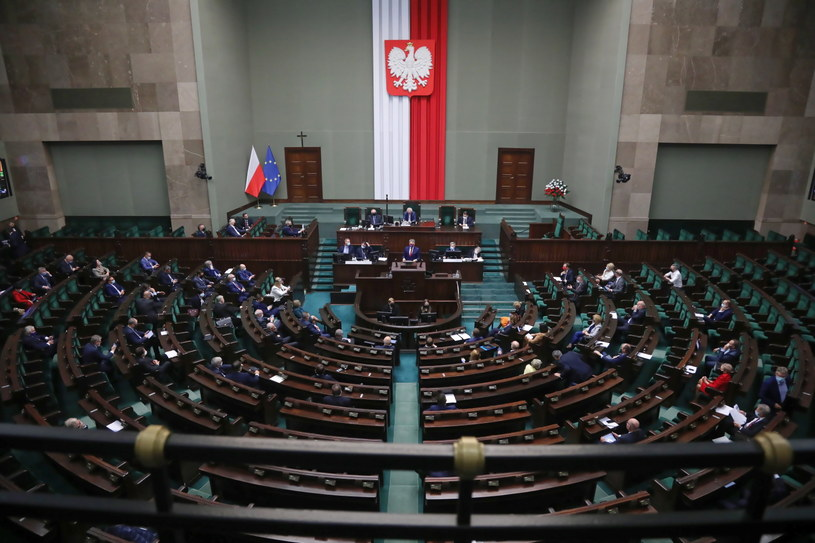 Posłowie na sali obrad (07.10.2020) /Wojciech Olkuśnik /PAP