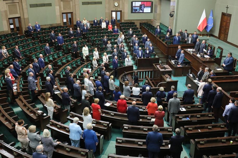 Posłowie na sali obrad Sejmu w Warszawie/ Zdjęcie ilustracyjne /Paweł Supernak /PAP