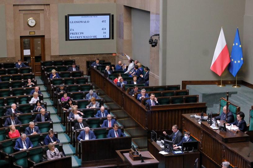 Posłowie na sali obrad Sejmu w Warszawie /Mateusz Marek /PAP