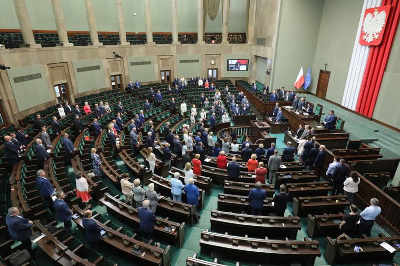 Posłowie na sali obrad Sejmu w Warszawie /Paweł Supernak /PAP