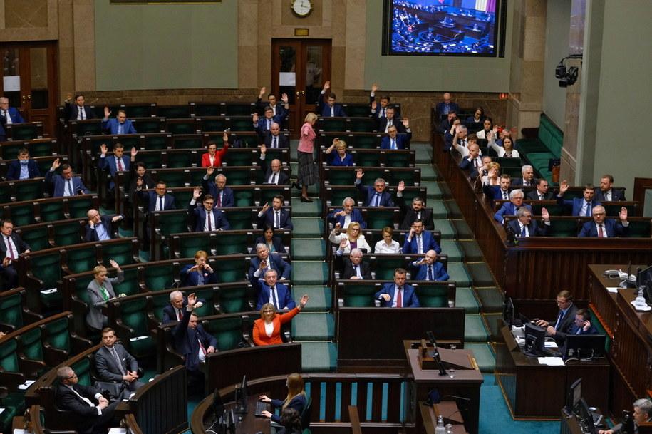 Posłowie na sali plenarnej Sejmu /Mateusz Marek /PAP