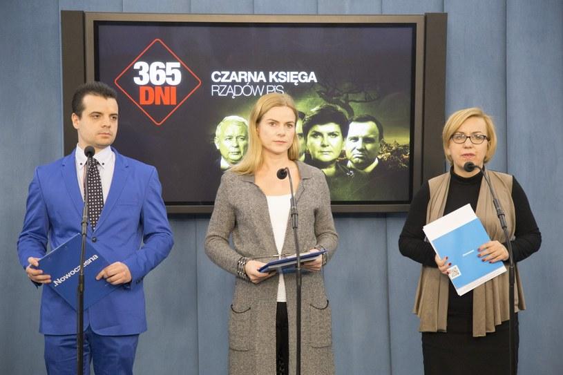 Posłowie Nowoczesnej przedstawili własną ocenę dwóch lat rządów PiS /Maciej Luczniewski/REPORTER /East News