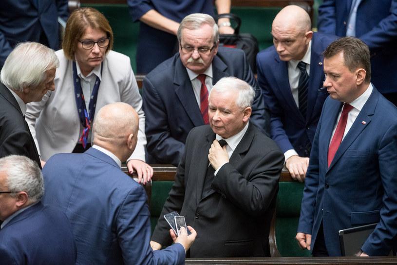 Posłowie PiS w Sejmie /fot. Andrzej Iwanczuk /Reporter