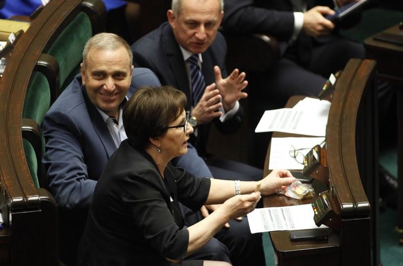 Posłowie PO w Sejmie: Ewa Kopacz, Grzegorz Schetyna i Sławomir Neumann /Stefan Maszewski /Reporter