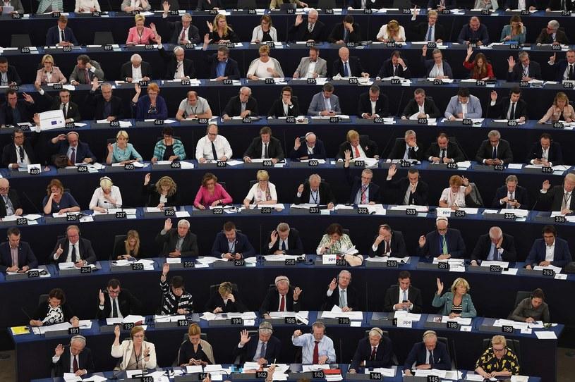 Posłowie w Parlamencie Europejskim w Strasburgu /AFP