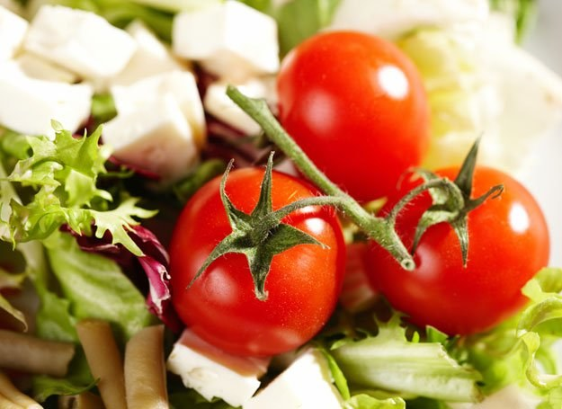 Postaw na twaróg, czosnek i pomidory /© Panthermedia