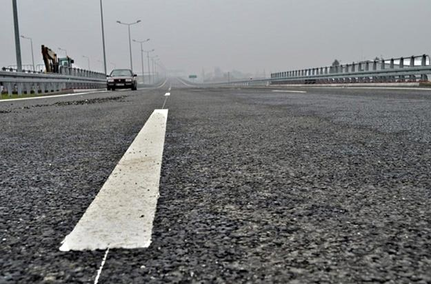 Posypały się kary za brak nadzoru nad budową dróg /RMF