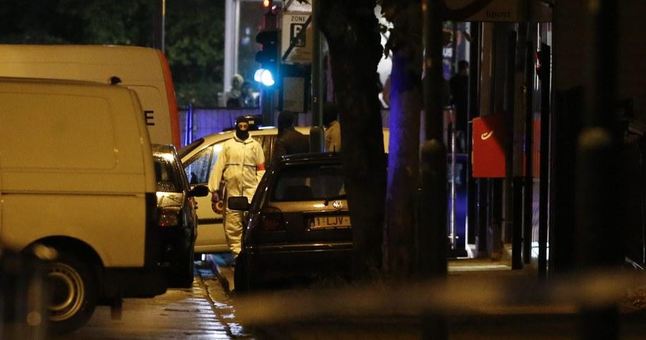 Poszukiwania osób związanych z zamachem w Paryżu /OLIVIER HOSLET /PAP/EPA