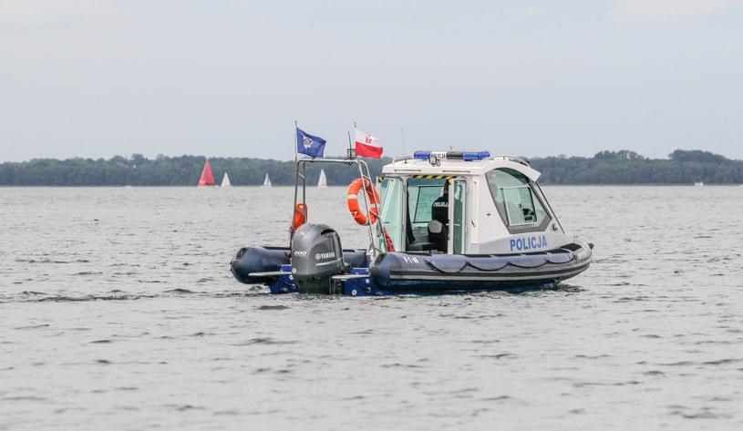 Poszukiwania Piotra Woźniaka-Staraka na jeziorze Kisajno, fot. Grzegorz Kaminski (19.08.2019) /East News