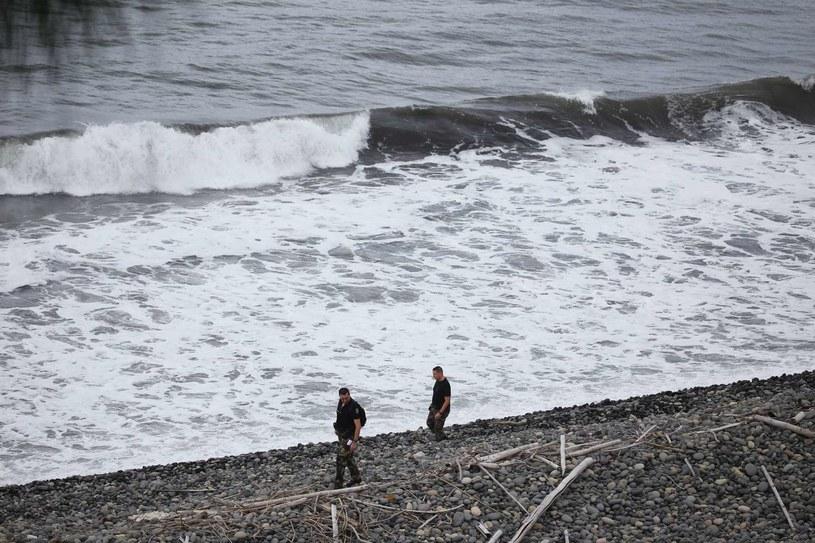 Poszukiwania szczątków samolotu na francuskiej wyspie Reunion /AFP