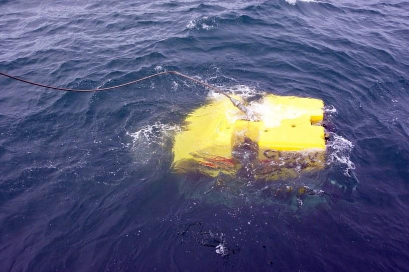 Poszukiwania zaginionej łodzi trwają /US NAVY/LT. ALEX CORNELL /PAP/EPA