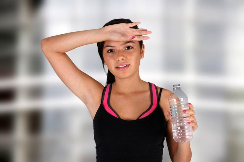 Pot, który powstaje w trakcie intensywnego wysiłku fizycznego, jest normalnym zjawiskiem fizjologicznym /123RF/PICSEL