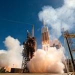 Potężna Delta IV Heavy wynosi tajnego satelitę NROL-65