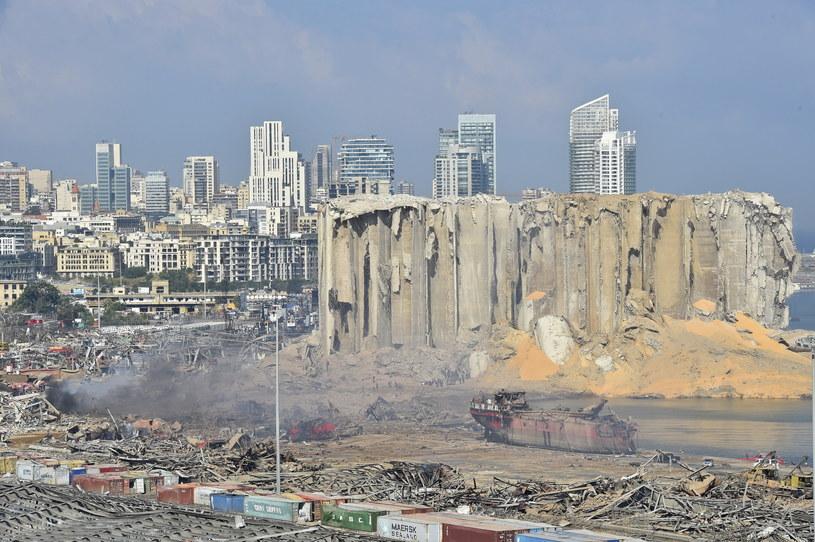 Potężna eksplozja wstrząsnęła Bejrutem /WAEL HAMZEH /PAP/EPA