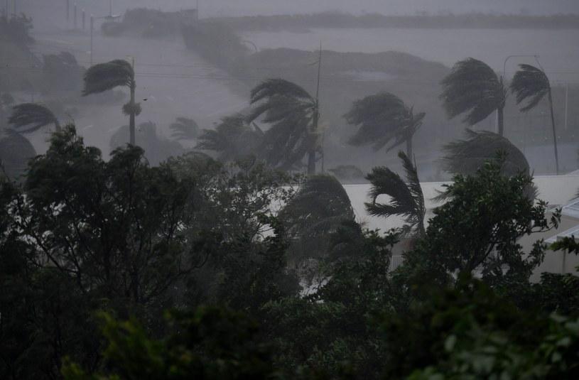 Potężny cyklon Debbie uderzył w Australię /PAP/EPA