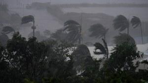Potężny cyklon Debbie uderzył w Australię