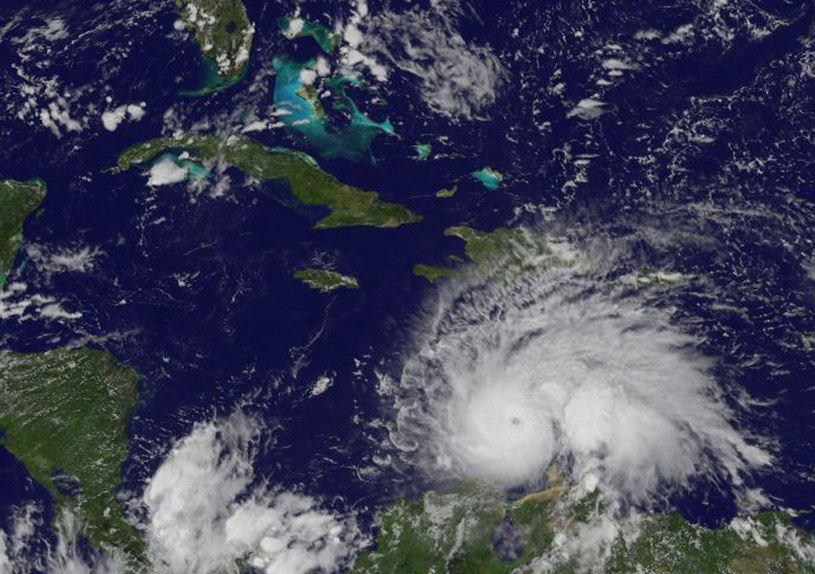 Potężny huragan Matthew zbliża się do Jamajki /PAP/EPA