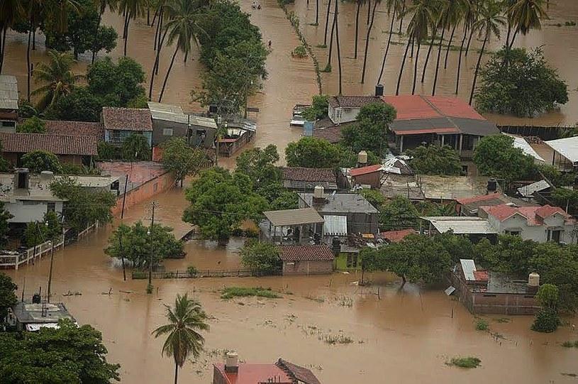 Potężny huragan Newton zbliża się do Meksyku /PAP/EPA