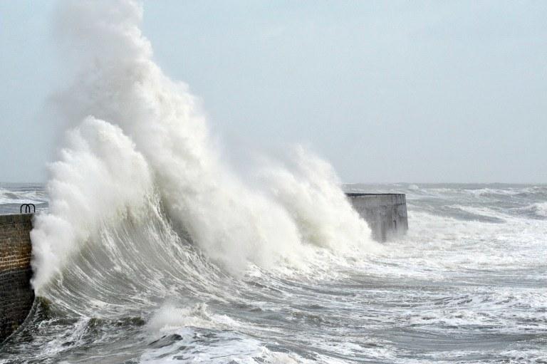 Potężny sztorm /AFP