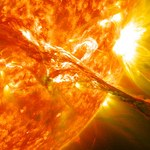 Potężny wybuch na Słońcu. W stronę Ziemi pędzi chmura plazmy