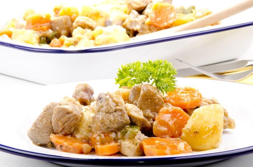 Potrawka drobiowa z warzywami /123RF/PICSEL