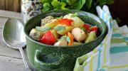 Potrawka z jarzynami i filetami rybnymi