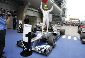 Potrójne zwycięstwo Mercedesa