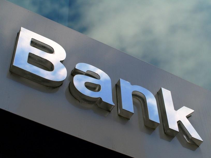 Potrzebne będą aneksy do wielu umów kredytowych /123RF/PICSEL