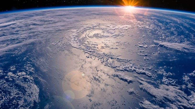 Potworna ulewa trwała na Ziemi aż 750 milionów lat i stworzyła oceany /Geekweek