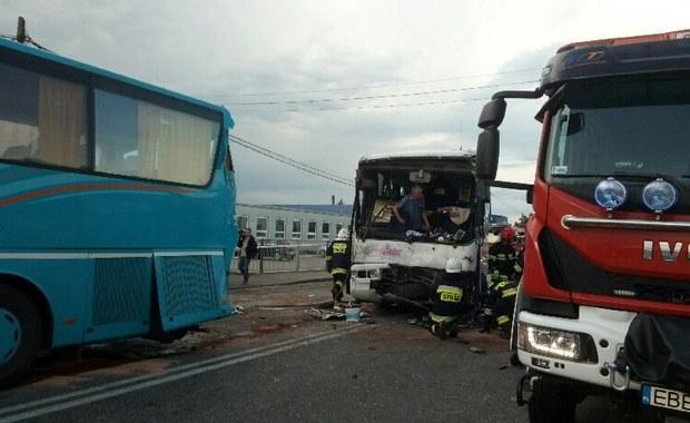 Poważny wypadek autokarów z dziećmi w Łódzkiem. Są ranni