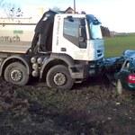 Poważny wypadek. Ciężarówka zmiażdżyła auto