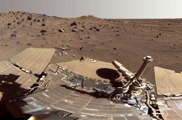 """Powierzchnia Marsa """"oczami"""" Curiosity /NASA"""