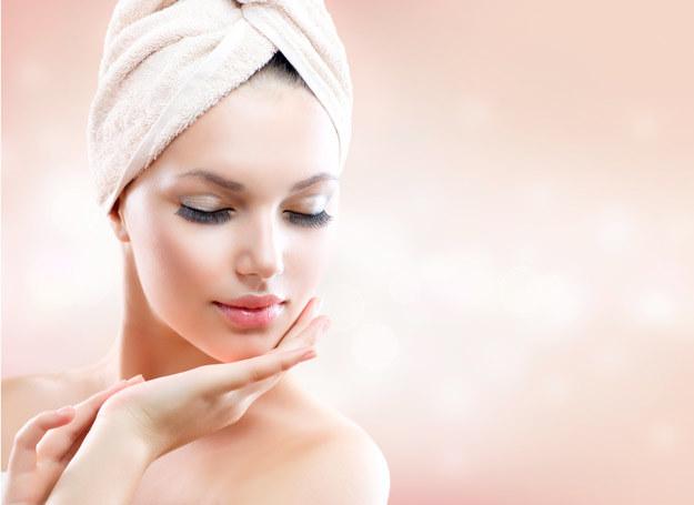 Powierzchnia skóry może osiągnąć nawet 2 mkw, a waga stanowić 15 proc. całkowitej masy ciała. /123RF/PICSEL