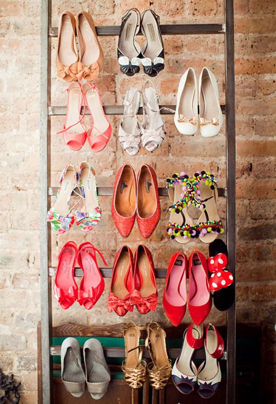 Powieś buty na drabinie /© Photogenica