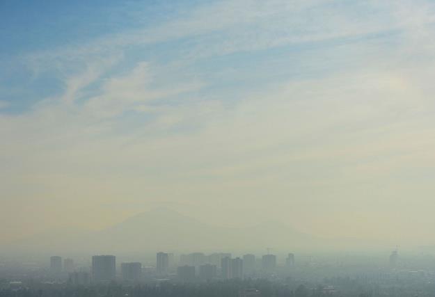 Powietrze w Polsce przekracza normy zanieczyszczenia /