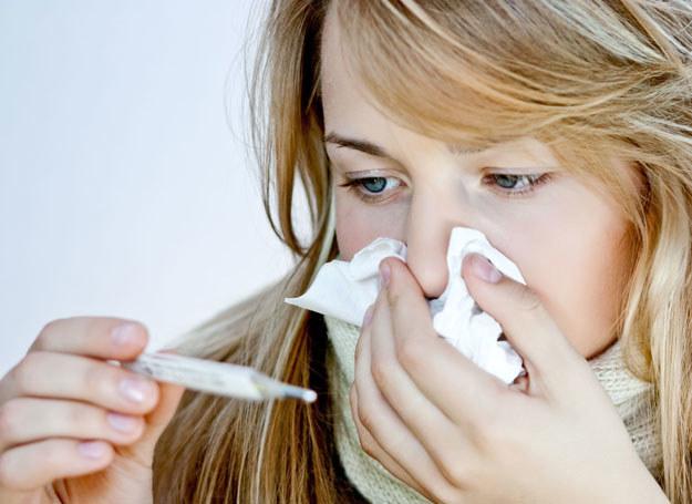 Powikłania po grypie są bardzo niebezpieczne /123RF/PICSEL