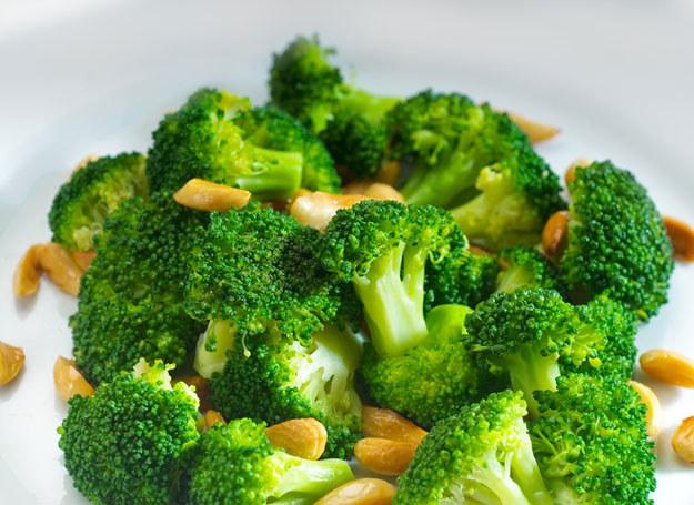 Powinnaś więc jeść dużo warzyw, które zawierają antyoksydanty /© Panthermedia