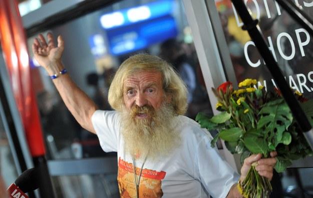 Powitanie Aleksandra Doby na warszawskim lotnisku Okęcie w maju 2014 roku / Bartłomiej Zborowski    /PAP