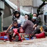 """Powódź w Dżakarcie, ewakuowano 1,3 tys. osób. """"To dla nas ciężki czas"""""""