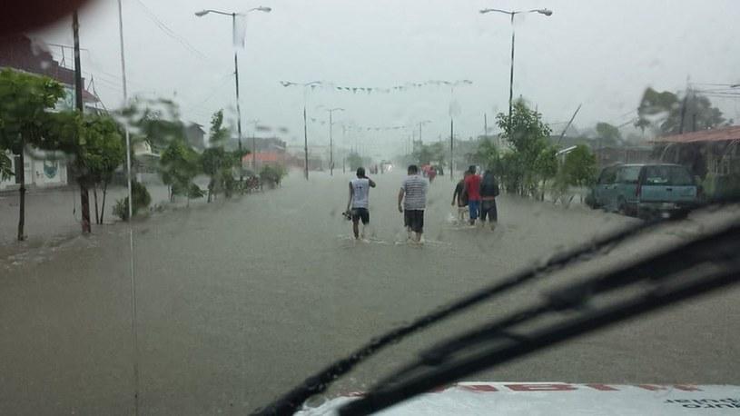 Powódź w stanie Guerrero /PAP/EPA