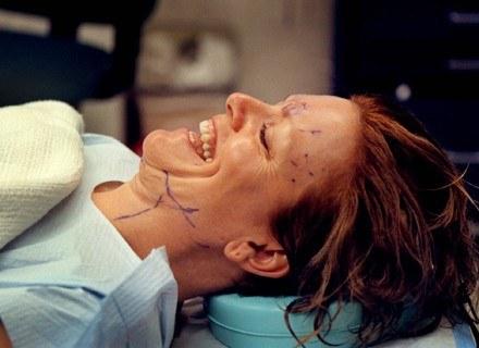 Powoli zmienia się nastawienie do chirurgii plastycznej /Getty Images/Flash Press Media