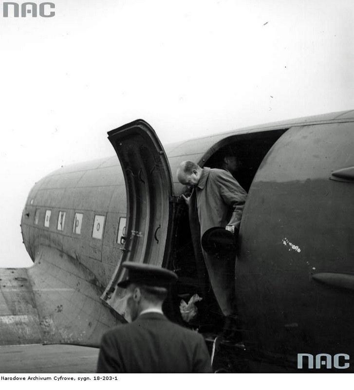 Powrót Stanisława Mikołajczyka (jako premiera Rządu na Uchodźstwie) do Londynu po wizycie w Moskwie (sierpień 1944 r.) /Z archiwum Narodowego Archiwum Cyfrowego