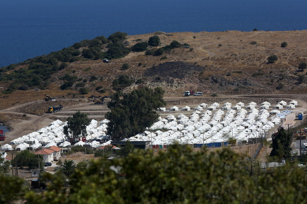 Powstający na Lesbos obóz /ORESTIS PANAGIOTOU /PAP/EPA