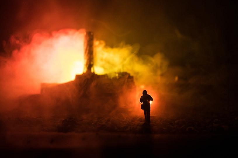 Powstał ogromny pożar, w którym zginęło 14 cywilów. Zdjęcie ilustracyjne /123RF/PICSEL